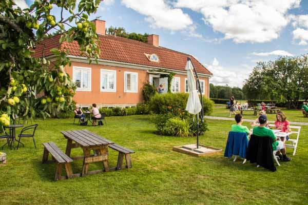 Sju stader bathuset i parken bjuder pa romantik